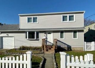 Pre Foreclosure in Lindenhurst 11757 PIAVE TER - Property ID: 1252217752