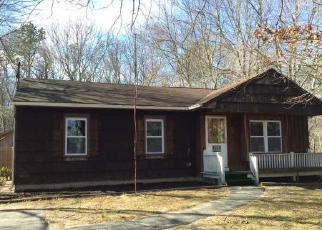 Pre Foreclosure in Shirley 11967 CANDIDO AVE S - Property ID: 1252598340