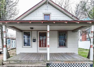 Pre Foreclosure in Freeport 11520 DOCK DR - Property ID: 1256110908