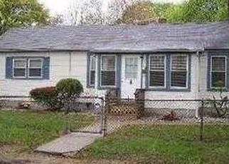 Pre Foreclosure in Central Islip 11722 E END AVE - Property ID: 1256392968