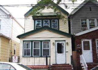 Pre Foreclosure in Woodhaven 11421 86TH AVE - Property ID: 1256510322