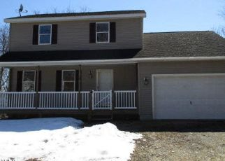 Pre Foreclosure in Queensbury 12804 LYNN AVE - Property ID: 1256664943
