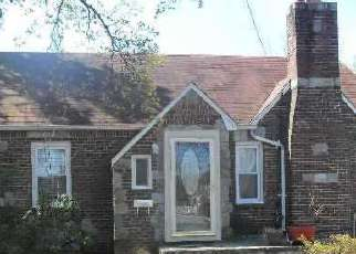 Pre Foreclosure in Uniondale 11553 NORTHERN PKWY - Property ID: 1257596505