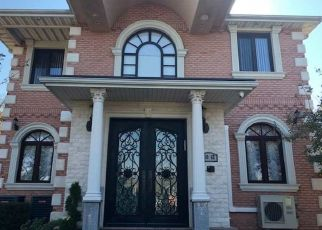 Pre Foreclosure in Forest Hills 11375 67TH RD - Property ID: 1257980164