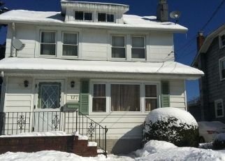 Pre Foreclosure in Valley Stream 11580 E MAUJER ST - Property ID: 1258453624
