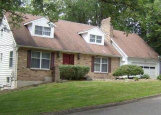 Pre Foreclosure in Vestal 13850 ROBIN LN - Property ID: 1259116265