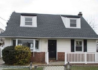 Pre Foreclosure in Elmont 11003 ADAMS ST - Property ID: 1259465784