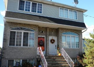 Pre Foreclosure in Staten Island 10302 BEEKMAN ST - Property ID: 1260275592