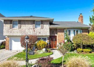 Pre Foreclosure in Franklin Square 11010 PRINCETON RD - Property ID: 1260460417
