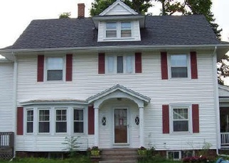 Pre Foreclosure in Medina 14103 W CENTER ST - Property ID: 1260498970