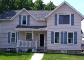 Pre Foreclosure in Beaver Dam 53916 WALNUT ST - Property ID: 1260911530