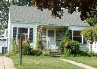 Pre Foreclosure in Harper Woods 48225 WOODLAND ST - Property ID: 1260988616
