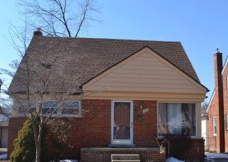 Pre Foreclosure in Dearborn 48128 N DENWOOD ST - Property ID: 1260993430