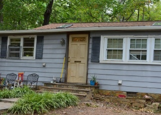 Pre Foreclosure in Haymarket 20169 QUAKER RD - Property ID: 1261365267