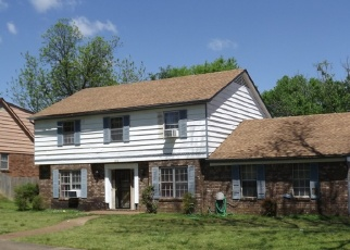 Pre Foreclosure in Memphis 38116 OAKVALLEY RD - Property ID: 1261777852