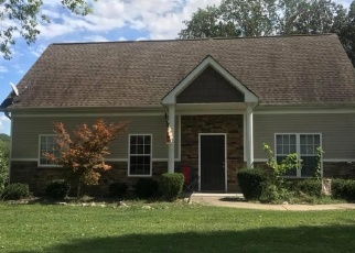 Pre Foreclosure in Clarksville 37043 OLD RUSSELLVILLE PIKE - Property ID: 1261812441