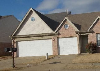 Pre Foreclosure in Memphis 38125 MARSHA WOODS DR - Property ID: 1261830399