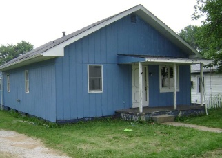 Pre Foreclosure in Bicknell 47512 W 10TH ST - Property ID: 1265531722