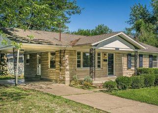 Pre Foreclosure in Louisville 40258 NORWICH BLVD - Property ID: 1265554943
