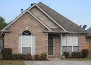 Pre Foreclosure in Fultondale 35068 SUMMIT DR - Property ID: 1265777871