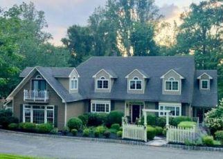 Pre Foreclosure in Glen Gardner 08826 MOUNTAIN TOP RD - Property ID: 1266196565