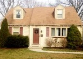 Pre Foreclosure in Barrington 08007 CHARLES AVE - Property ID: 1267671211