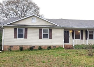 Pre Foreclosure in Anderson 29625 HIGHWAY 187 - Property ID: 1267949778