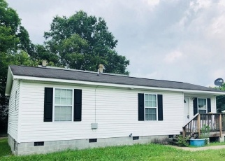 Pre Foreclosure in Portsmouth 23704 ELM AVE - Property ID: 1268478856
