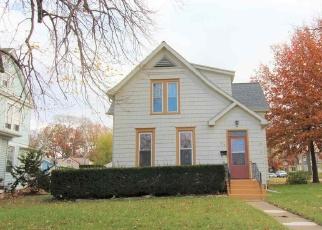 Pre Foreclosure in Pekin 61554 S 4TH ST - Property ID: 1269457272