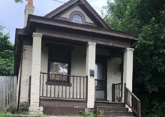 Pre Foreclosure in Cincinnati 45239 STERLING AVE - Property ID: 1269898309