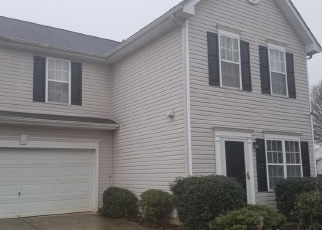 Pre Foreclosure in Browns Summit 27214 BLACK HAW CT - Property ID: 1270163284