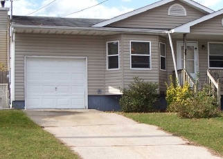 Pre Foreclosure in Selden 11784 BLUE POINT RD - Property ID: 1270227681