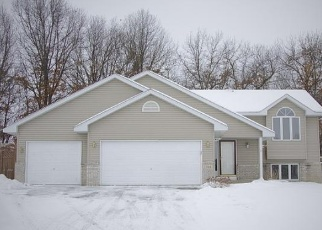 Pre Foreclosure in Isanti 55040 RUM RIVER DR SW - Property ID: 1270654256