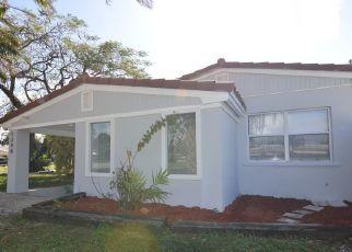 Pre Foreclosure in Miami 33162 NE 178TH ST - Property ID: 1270837328