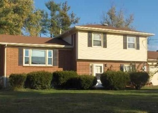 Pre Foreclosure in Radcliff 40160 SENATE CIR - Property ID: 1271576191
