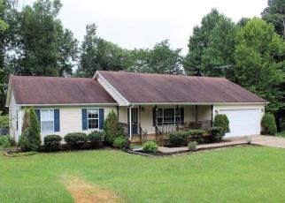 Pre Foreclosure in Elizabethtown 42701 FIVE OAKS DR - Property ID: 1271577511