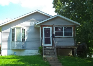 Pre Foreclosure in Davenport 52803 E 15TH ST - Property ID: 1271767593