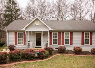 Pre Foreclosure in Piedmont 29673 CHARTERHOUSE AVE - Property ID: 1272318114