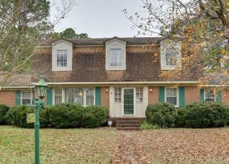 Pre Foreclosure in Smithfield 23430 PAGAN RD - Property ID: 1273769123
