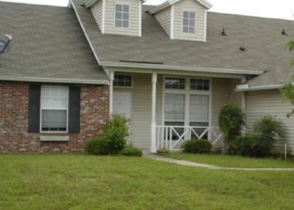 Pre Foreclosure in Jacksonville 32218 DUNNS VIEW DR - Property ID: 1275746140