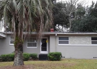 Pre Foreclosure in Jacksonville 32211 ALANA RD - Property ID: 1275799581