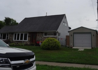 Pre Foreclosure in Levittown 19056 PINE NEEDLE RD - Property ID: 1276549392