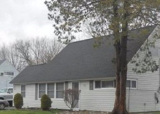 Pre Foreclosure in Levittown 19057 INDIAN CREEK ENTRY - Property ID: 1276564276