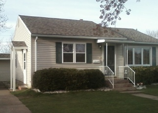 Pre Foreclosure in Eau Claire 54701 BENTON AVE - Property ID: 1276867805