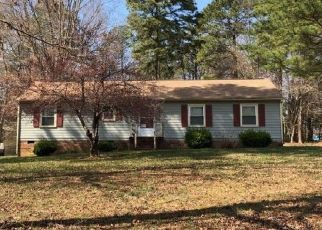 Pre Foreclosure in Sandston 23150 REESE DR - Property ID: 1277329424