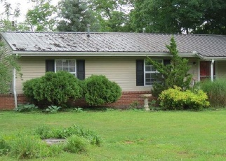 Pre Foreclosure in Knoxville 37912 ROAMING DR - Property ID: 1277700837
