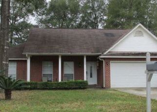 Pre Foreclosure in Pensacola 32503 OVERLOOK DR - Property ID: 1278668309