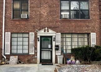 Pre Foreclosure in Flushing 11355 AVERY AVE - Property ID: 1279576221