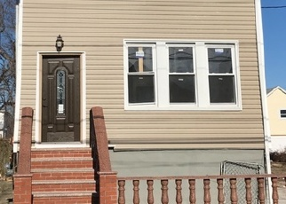 Pre Foreclosure in Arverne 11692 BURCHELL AVE - Property ID: 1279583235