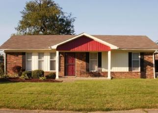 Pre Foreclosure in Louisville 40216 LA VEL LN - Property ID: 1280775404